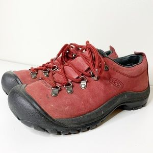 Keen red suede tennis shoes